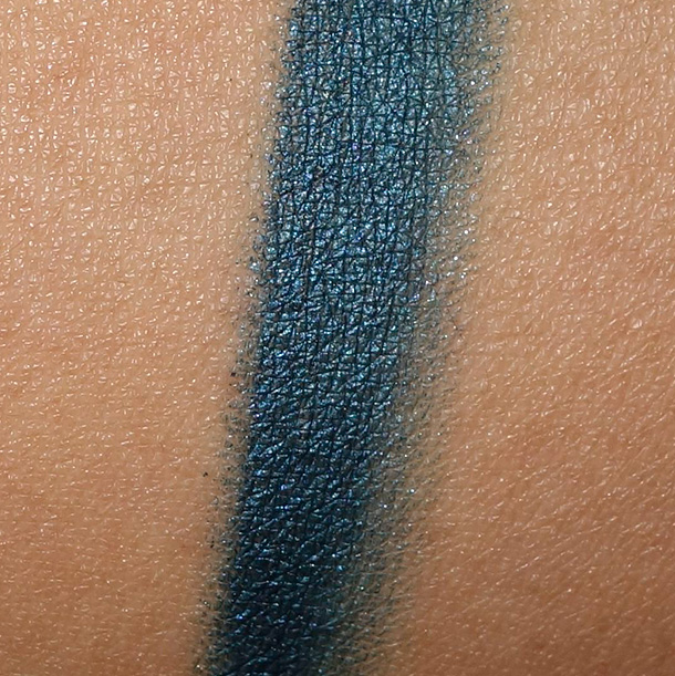 MAC Fluidline in Siahi Swatch