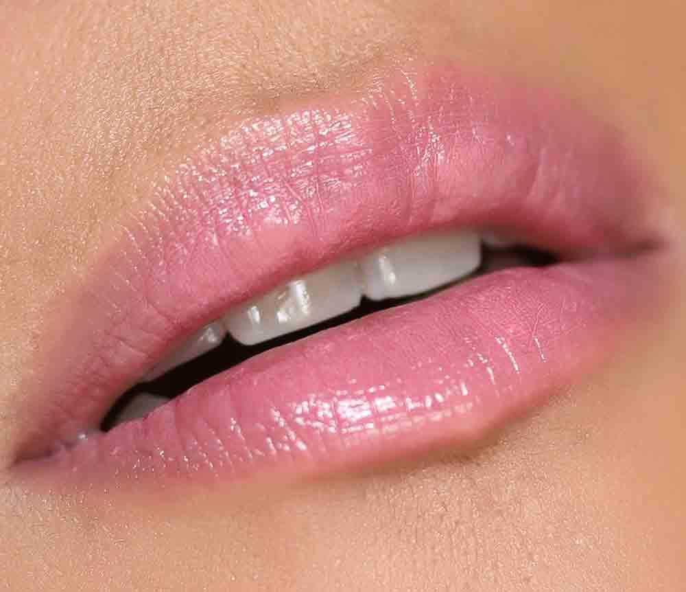 mac patentpolish lip pencil go for girlie