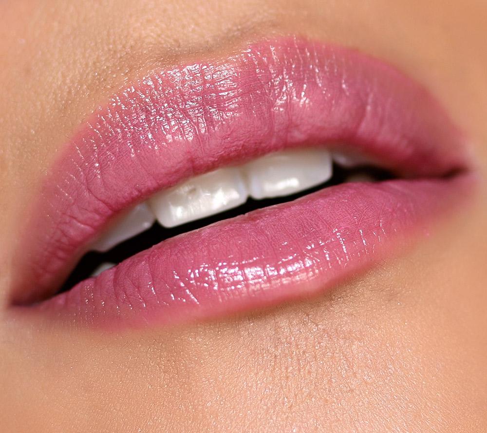 mac patentpolish lip pencil kittenish