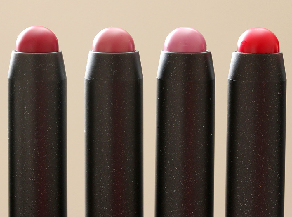 MAC Patentpolish Lip Pencils from the left: Hopelessly Devoted, Kittenish, Patentpink and Pleasant