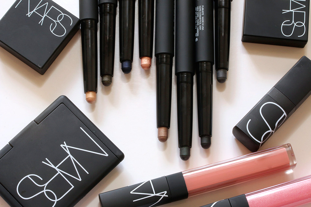 NARS Fall 2015 Velvet Shadow Sticks from the left: Hollywoodland, Aigle Noir, Glenan, Goddess, Oaxaca, Sukhothai, Filbuste and Reykjavik