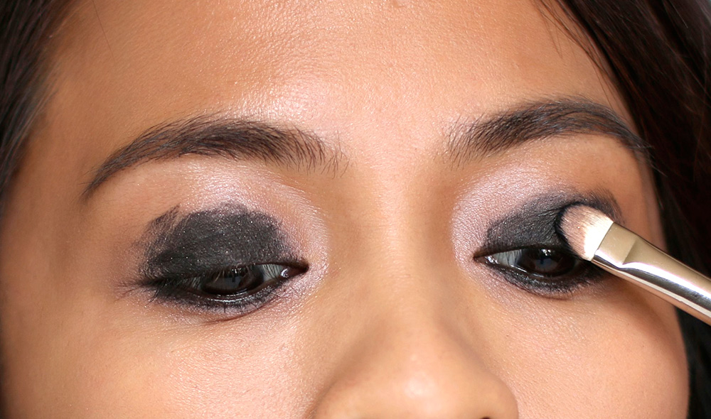 10 minute smoky eye black eyeshadow