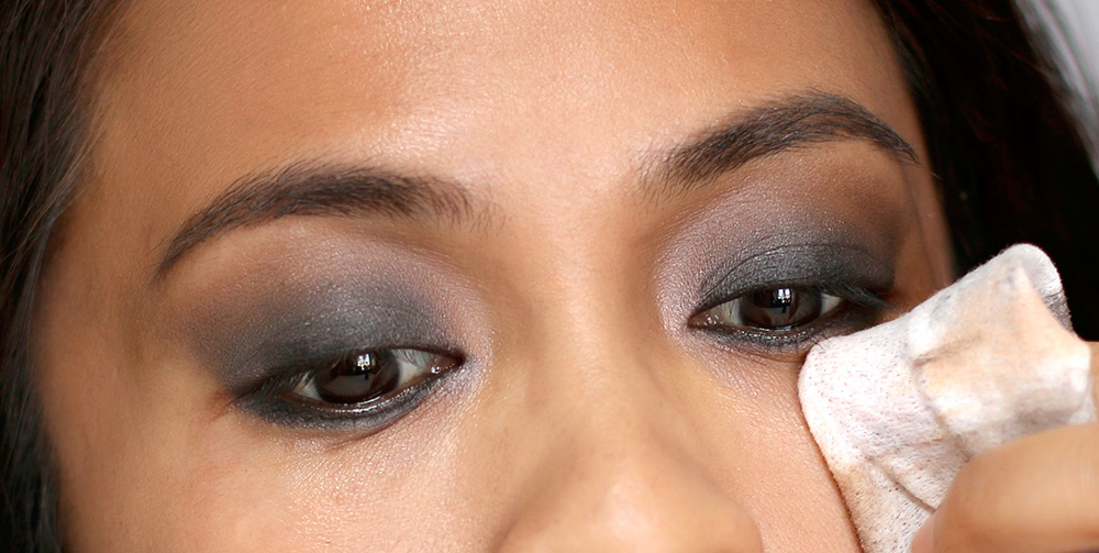 10 minute smoky eye clean up