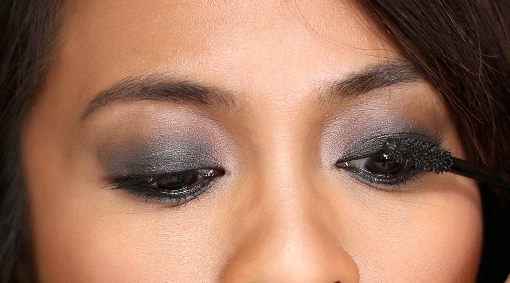 10 minute smoky eye mascara
