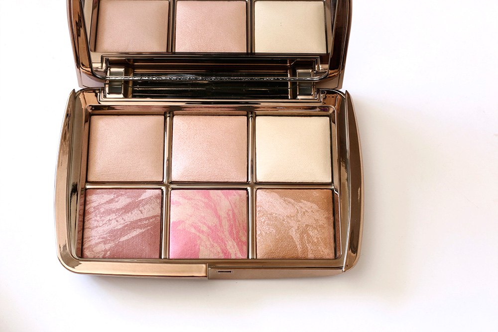 https://www.makeupandbeautyblog.com/wp-content/uploads/2015/09/hourglass-ambient-lighting-edit-palette.jpg
