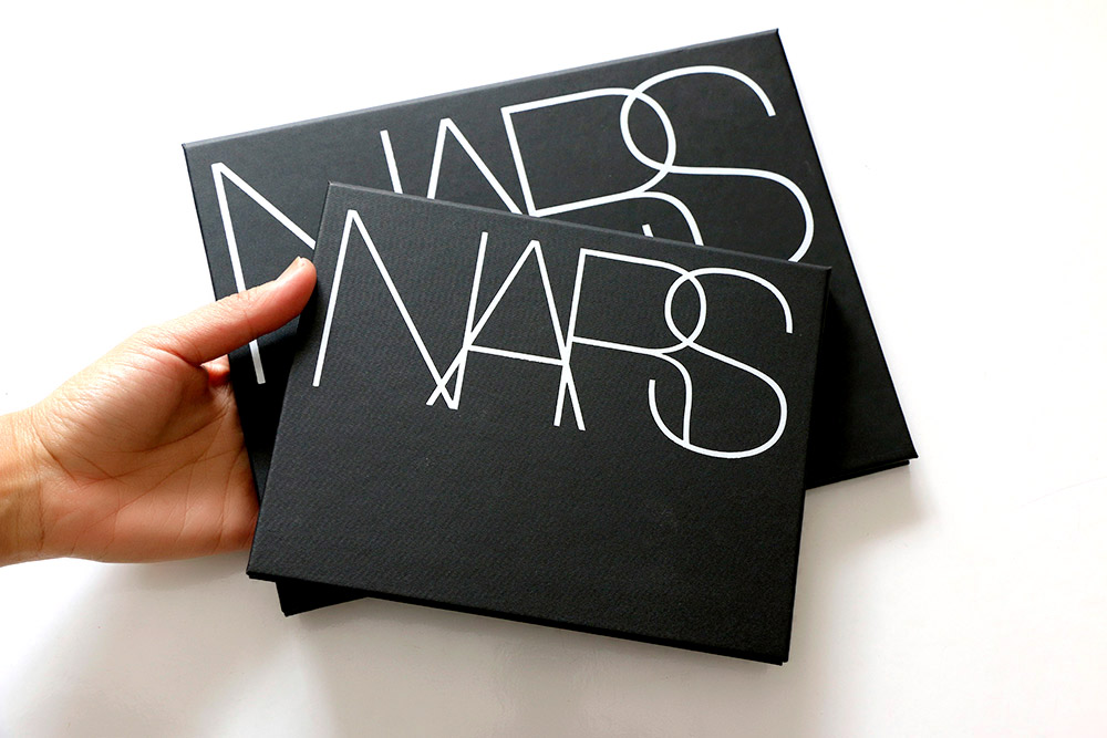 nars pro palettes in hand