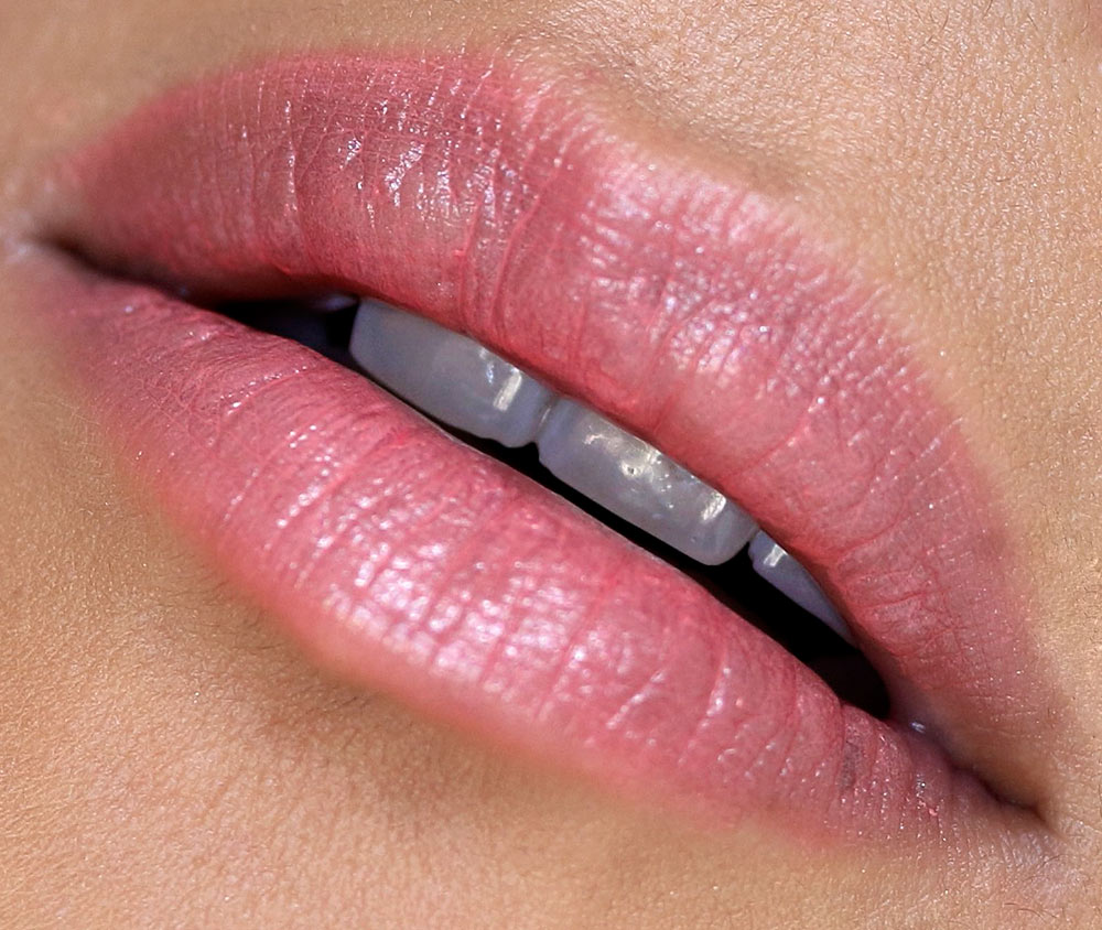 mac enchanted eve lips coral bliss