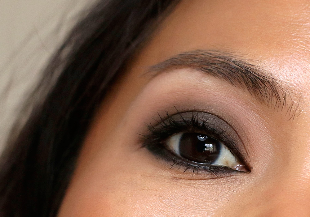 smudgy liner daytime smoky eye closeup