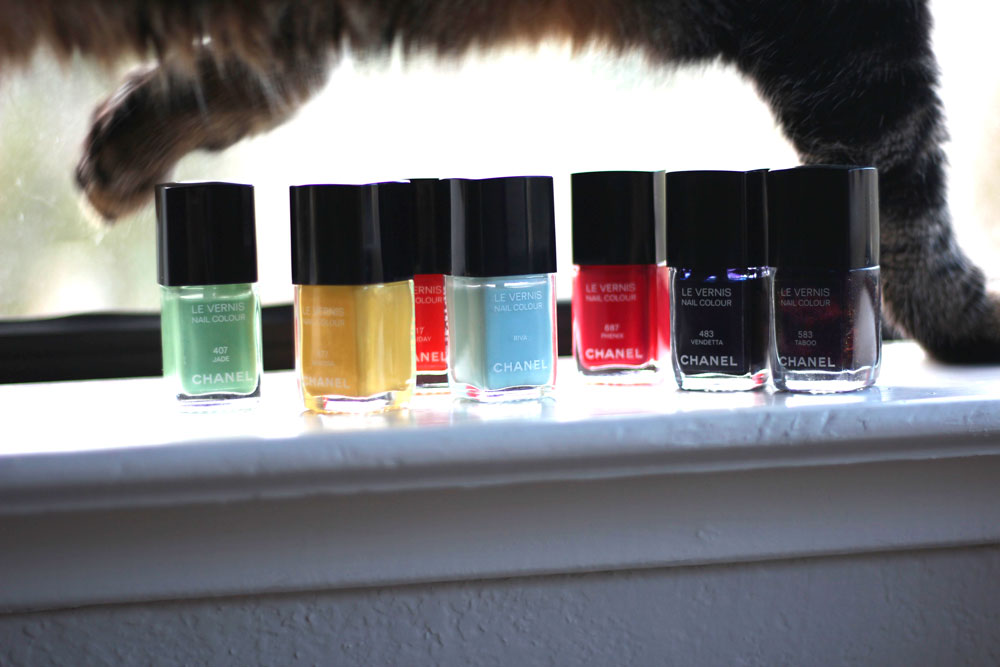 15-tabs-rainbow-chanel-nail-lacquer