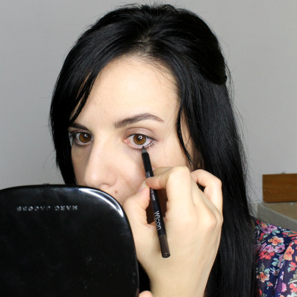How to Apply Eyeliner to Waterline