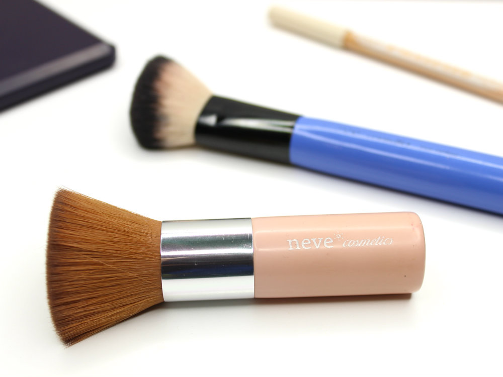 Neve Cosmetics Flatbuki Contour Brush Cruelty-Free