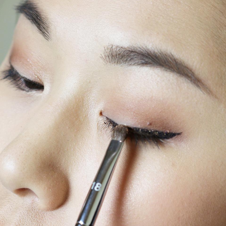 mac amberluxe palette glitter eyeliner tutorial