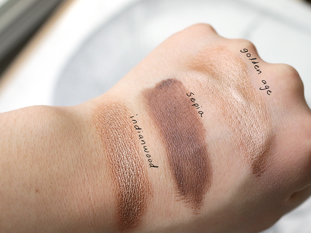 MAC Charlotte Olympia Cream Colour Base Swatches MAC Indianwood Swatch