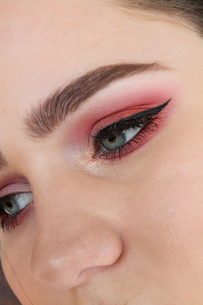 How I rock pink eyeshadow