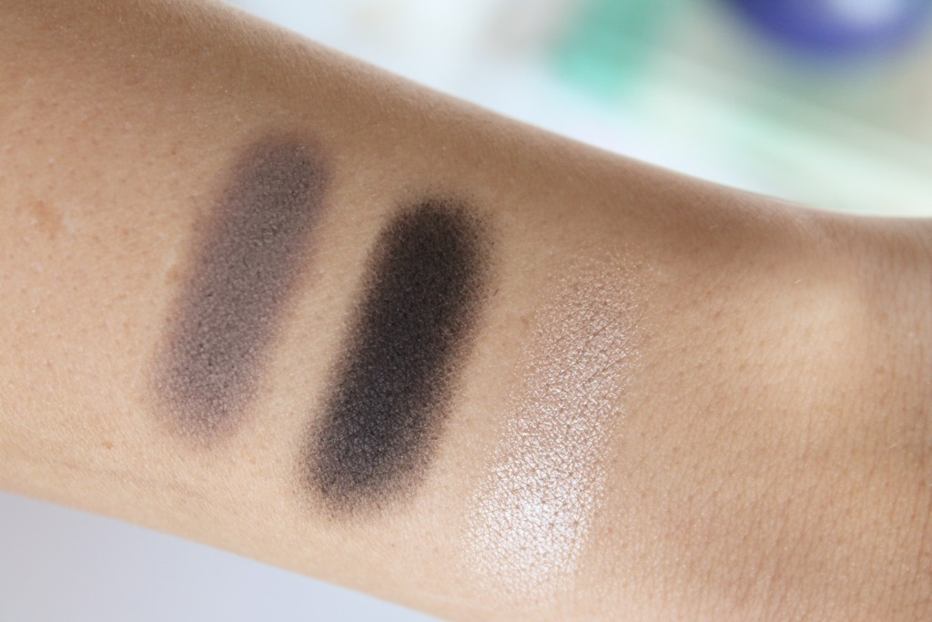 Honest Beauty Eyeshadow Trio in Smoky Gray