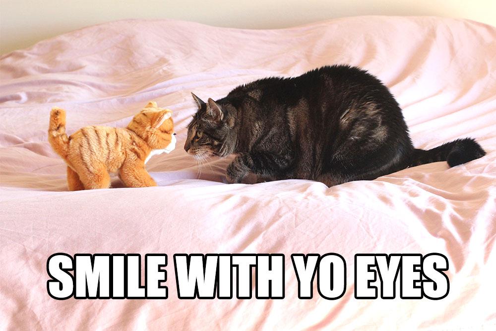 tabs-smile-with-yo-eyes