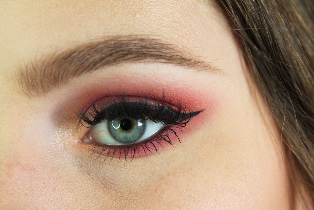 Pink eyeshadow makeup tutorial