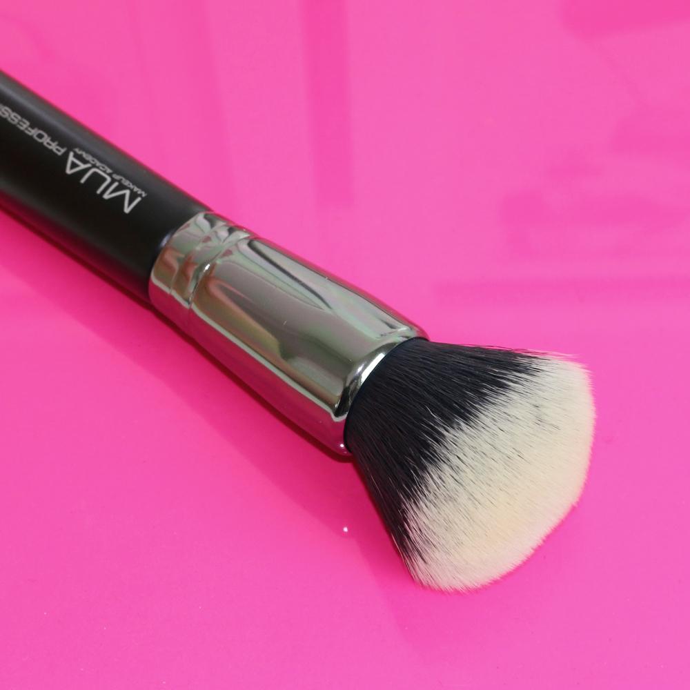 mua multi purpose 018 brush