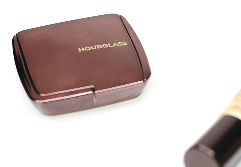 Hourglass Ambient Lighting Powder Dim Light Sunkissed Makeup Look How-to