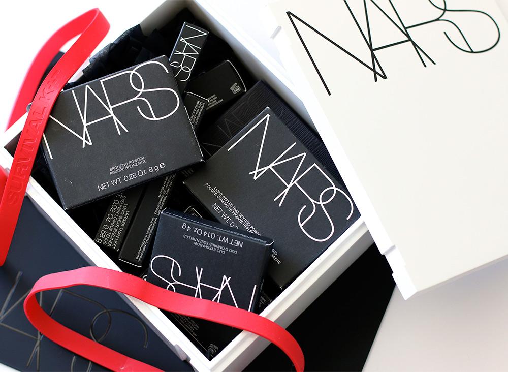 nars cult survival kit open