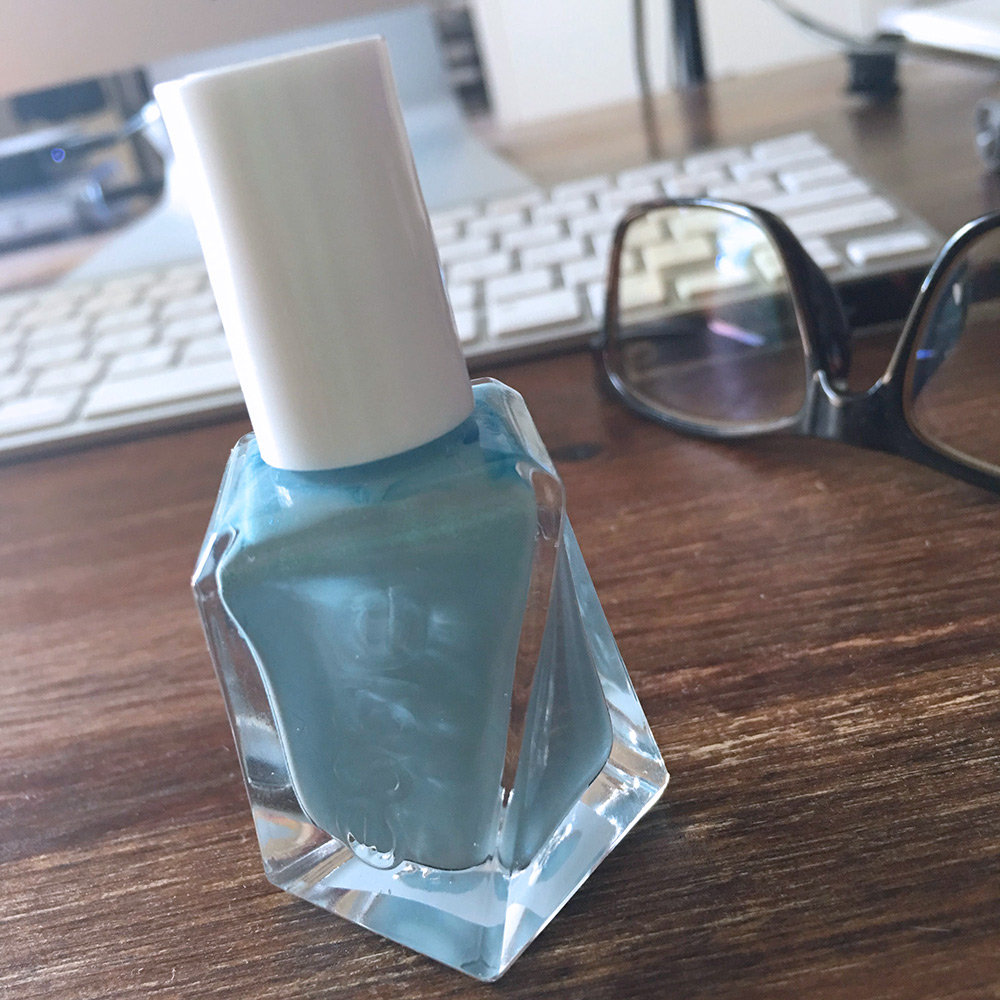 essie-first-view