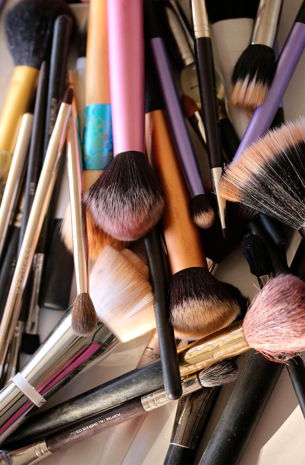dirty makeup brushes - Have You Ever Dated Someone Who Expected You to Wear Your Makeup a Certain Way?