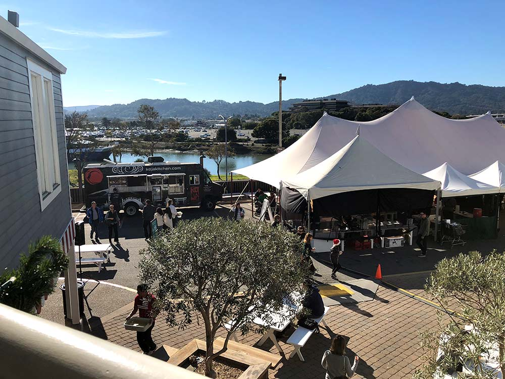 larkspur christmas food truck view