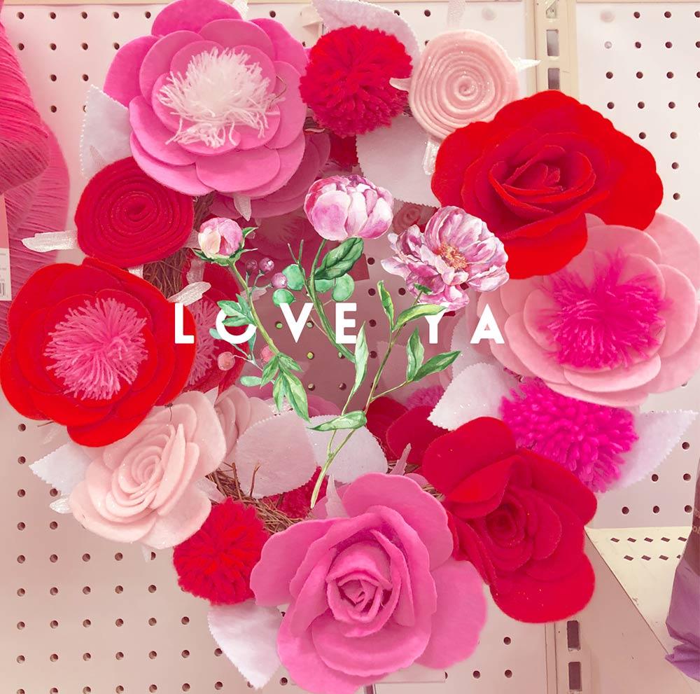 love ya wreath