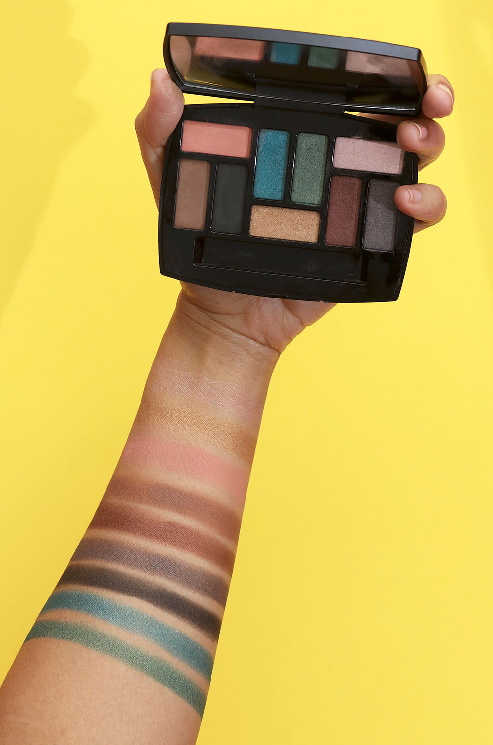 chanel les 9 ombres swatches
