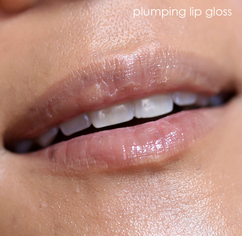 mac plenty of pout plumping lip gloss