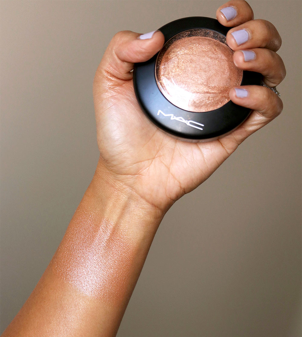 mac global glow swatch