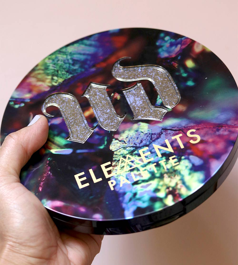urban decay elements palette in hand