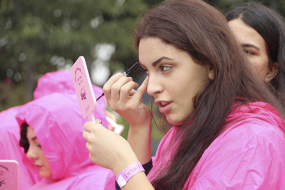 benefit brow day pink poncho filling in 5 - Benefit Set a New Guinness Book of World Records Record in the Brow Arts!