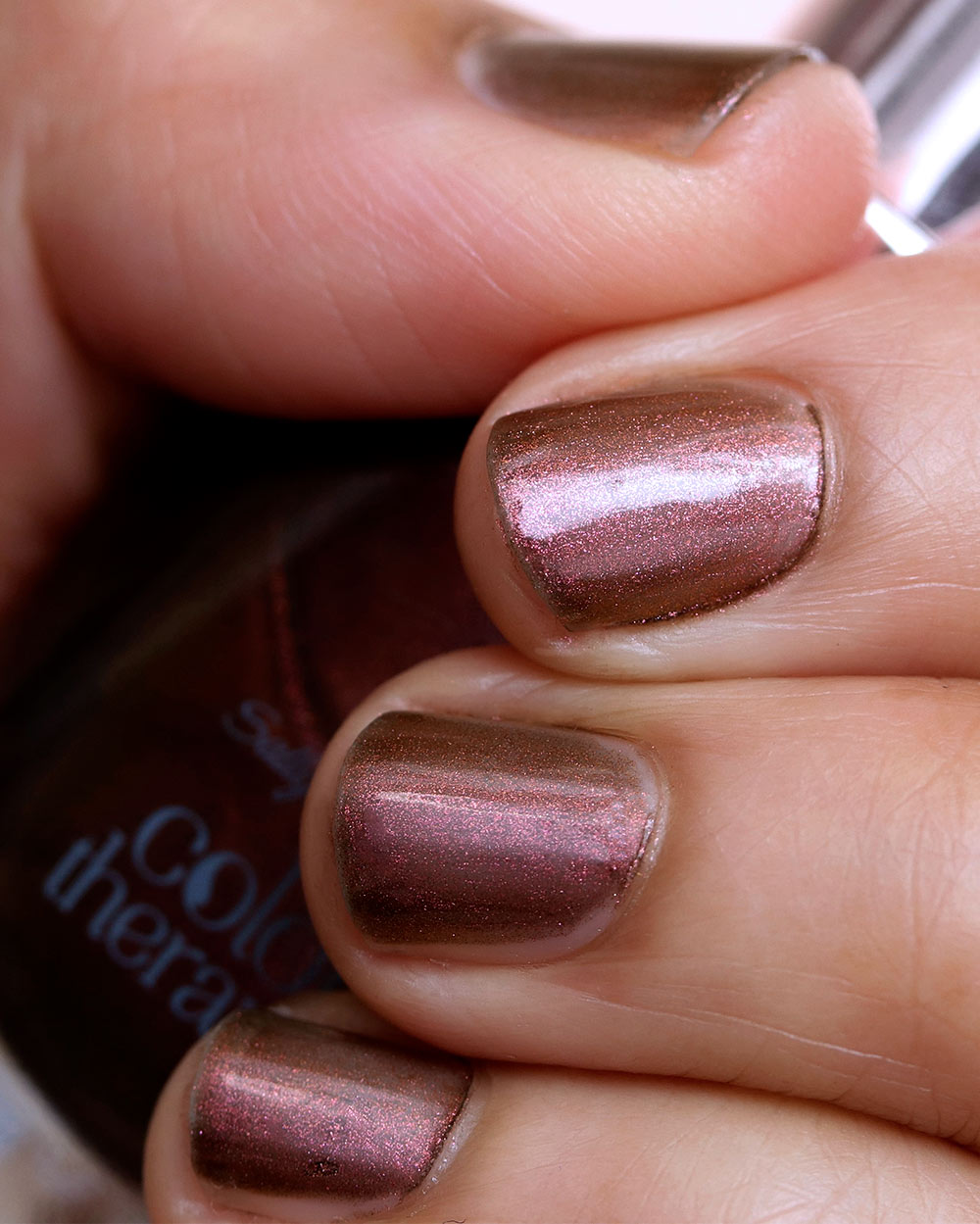 sally hansen bronze reflection day 1