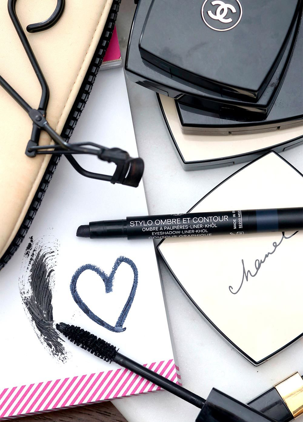 chanel contour graphique