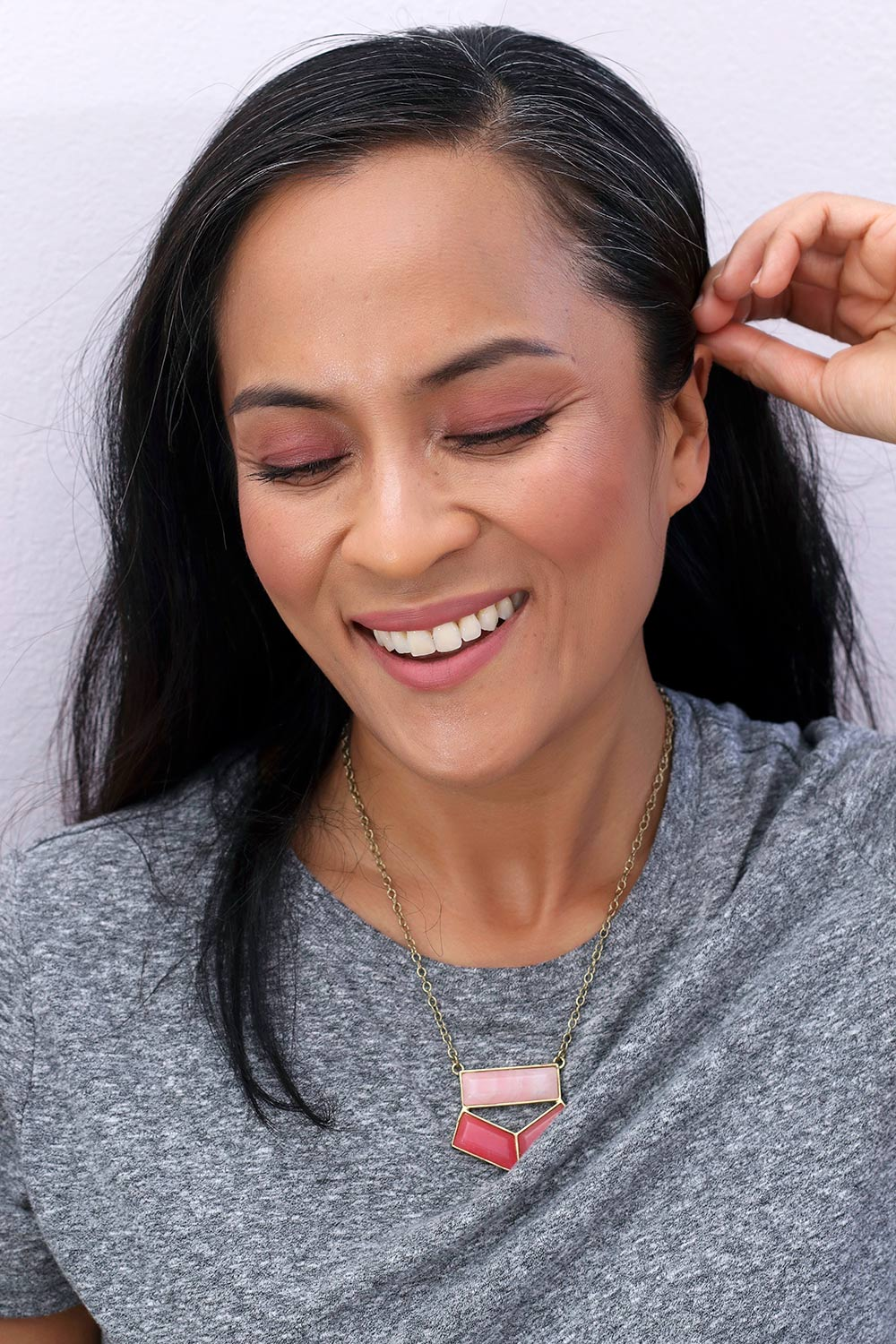 A Monochromatic Multitasking Makeup Look - Makeup and ...