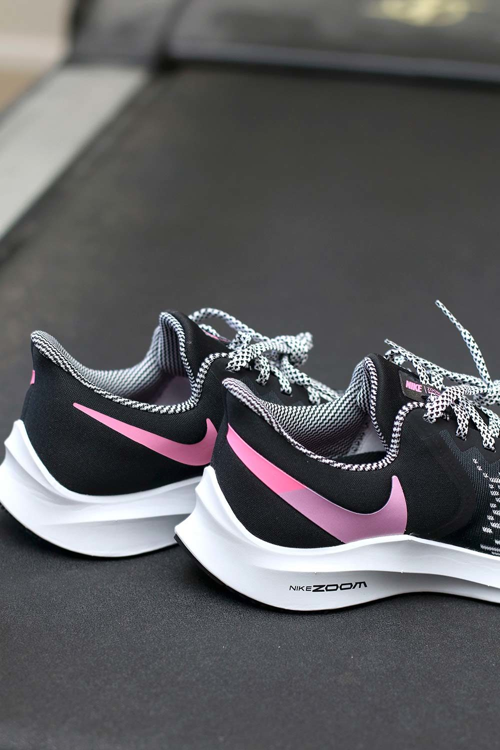 nike winflo black and pink