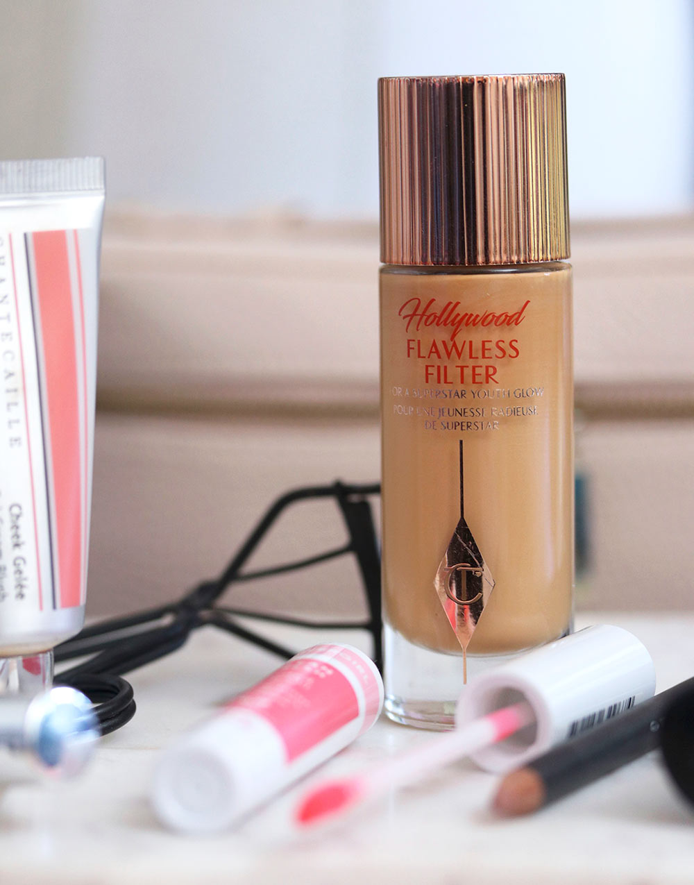 charlotte tilbury flawless filter tan