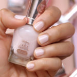 sally hansen bare kiss