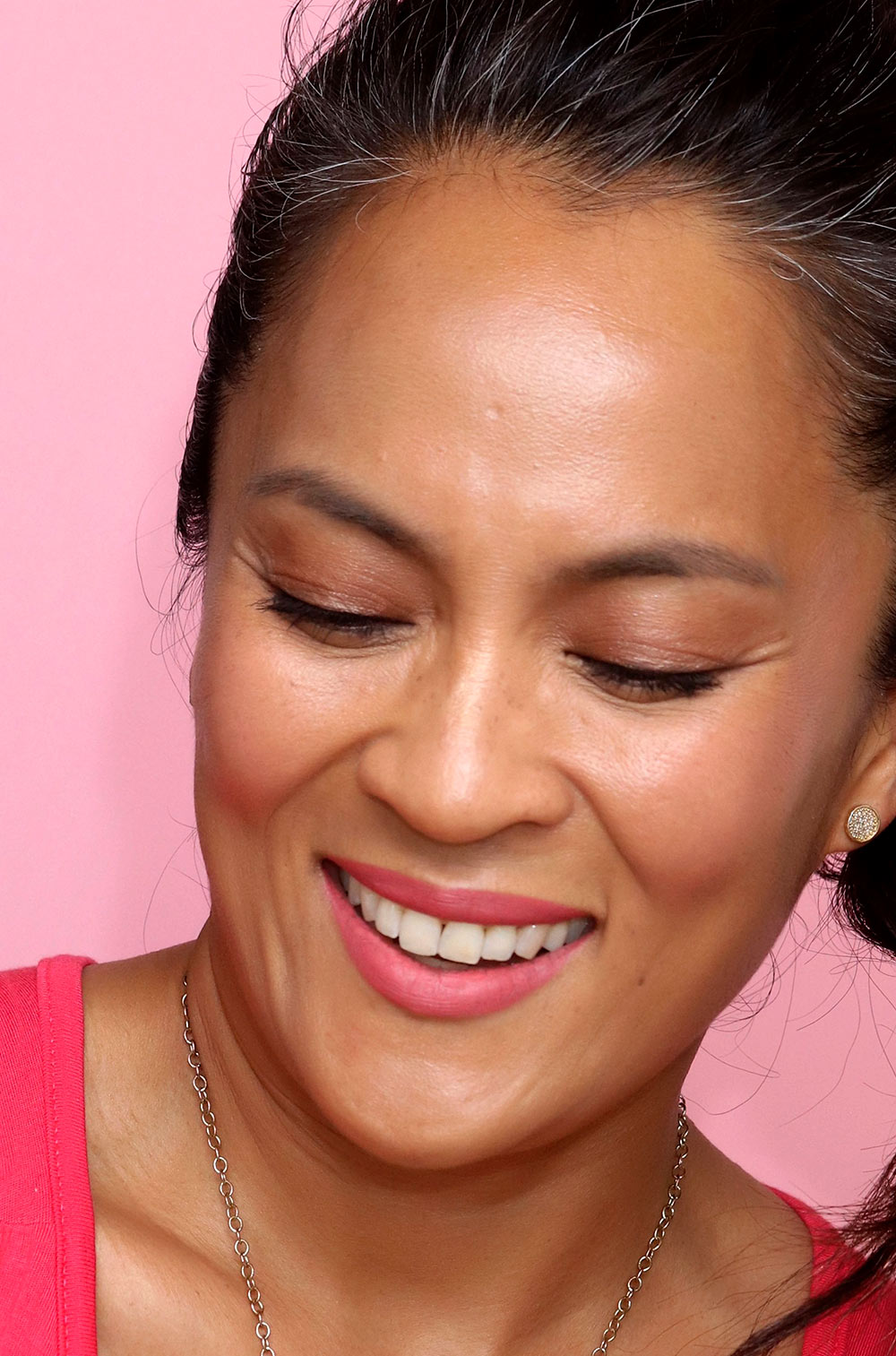 honest beauty happiness lipstick glam on the go coral lips 3