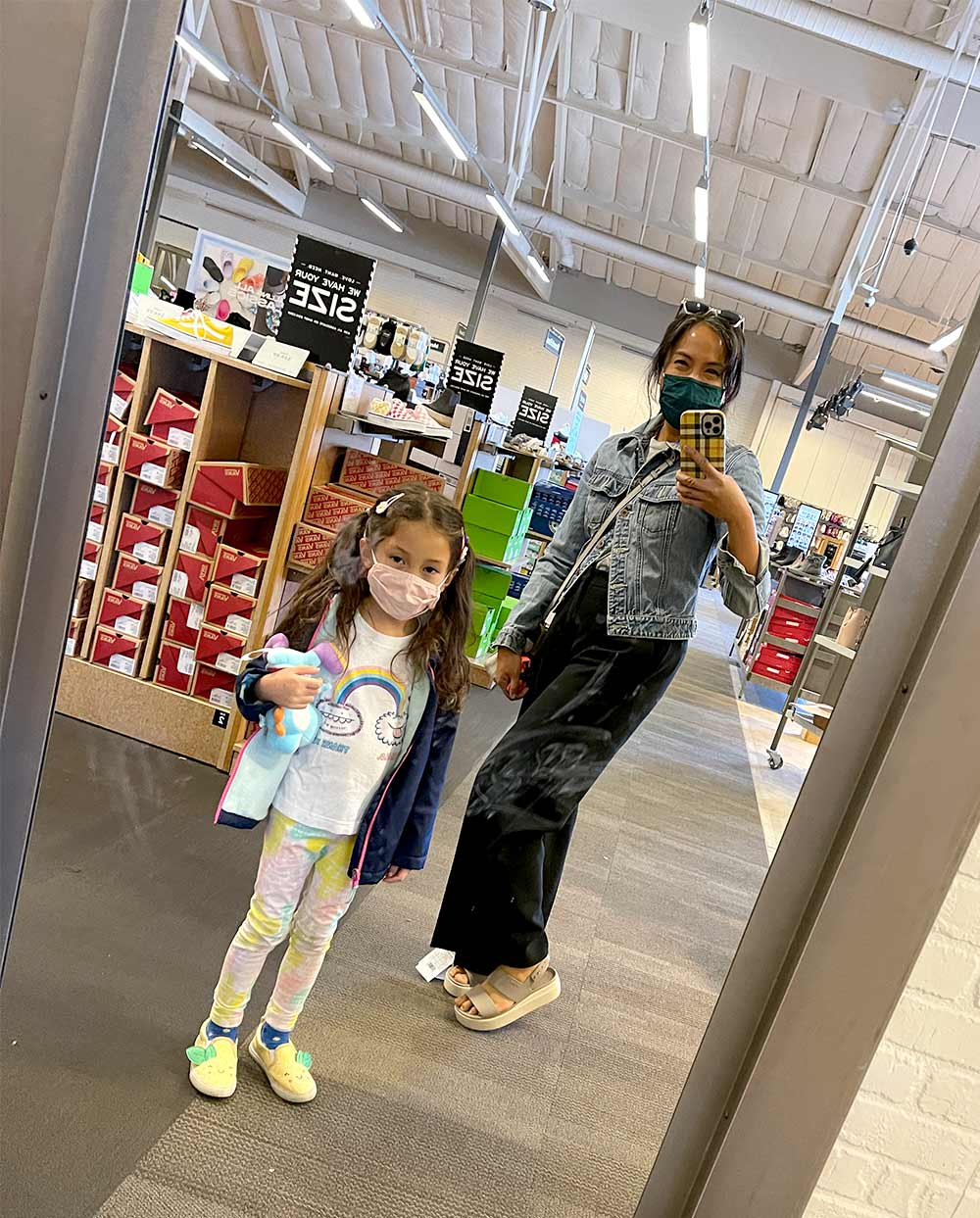 dsw spring 2021 taupe croc platforms with sous chef